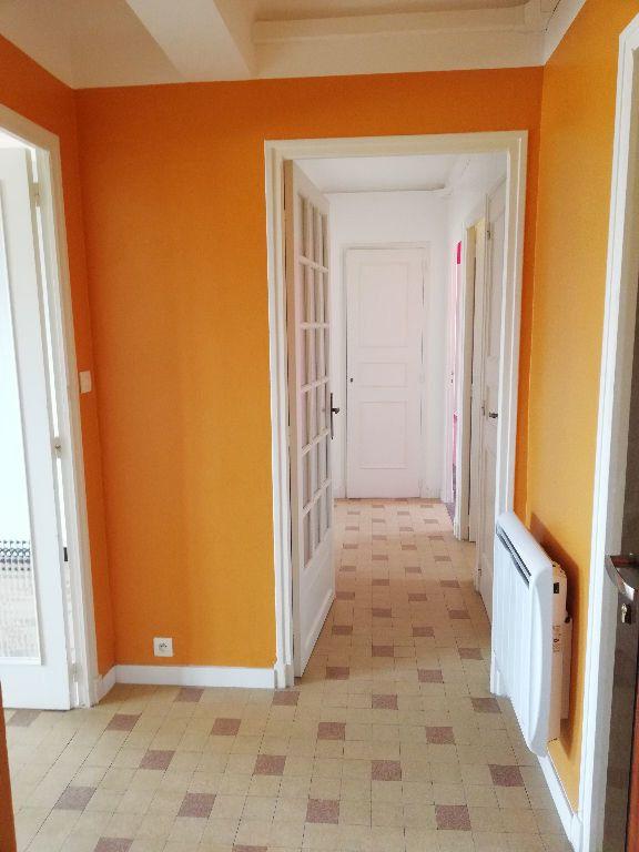 Appartement à louer 3 64m2 à Toulon vignette-11