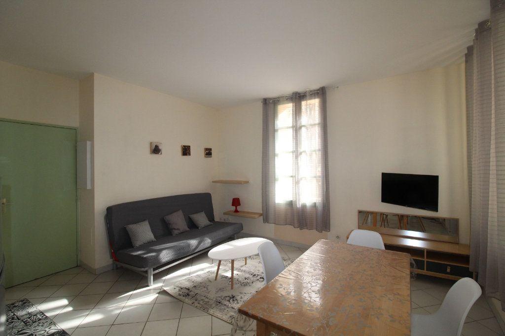 Appartement à louer 2 34.9m2 à Toulon vignette-3