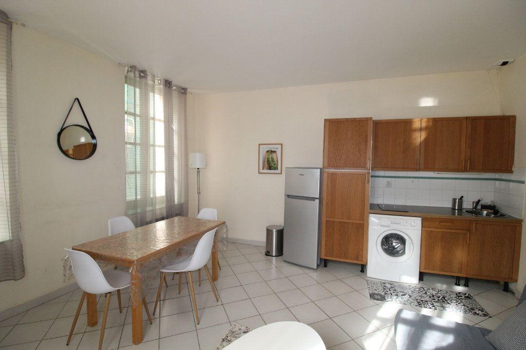 Appartement à louer 2 34.9m2 à Toulon vignette-4