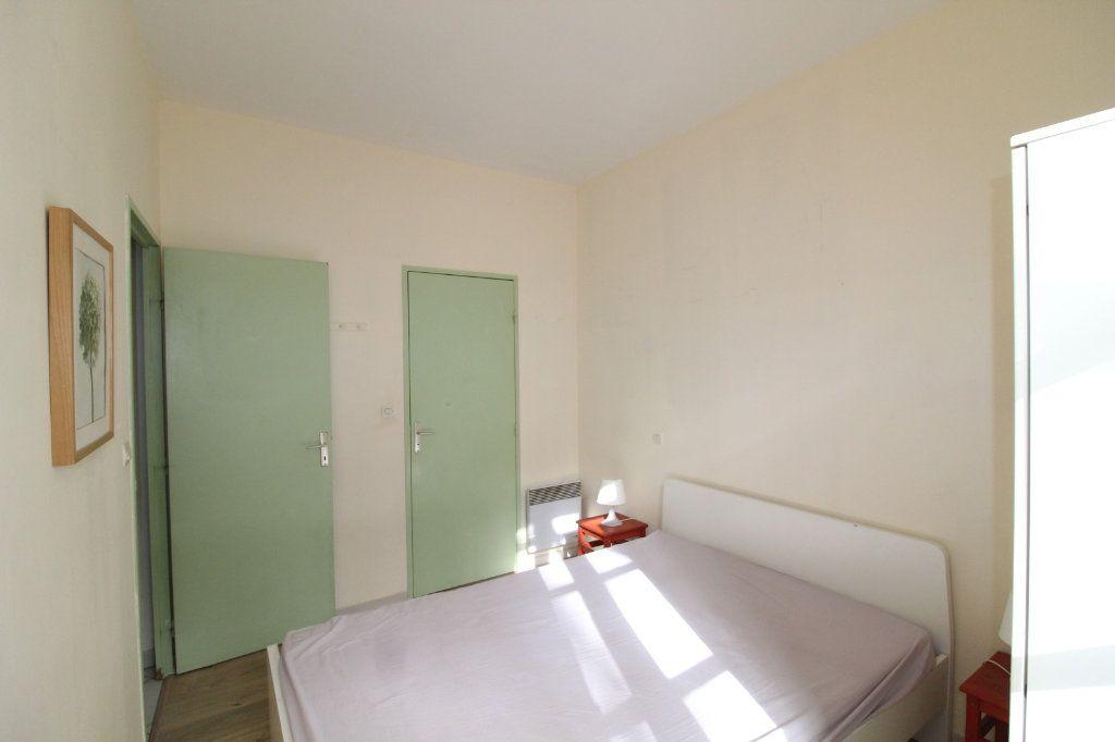 Appartement à louer 2 34.9m2 à Toulon vignette-5