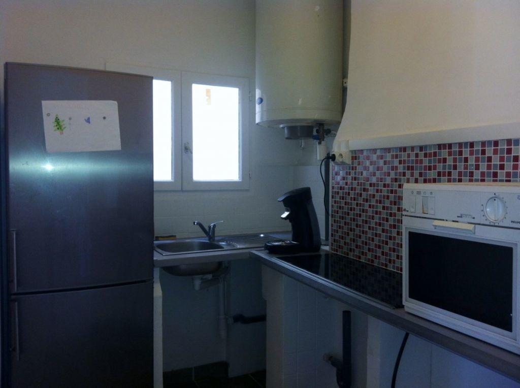 Appartement à louer 3 57m2 à Toulon vignette-3