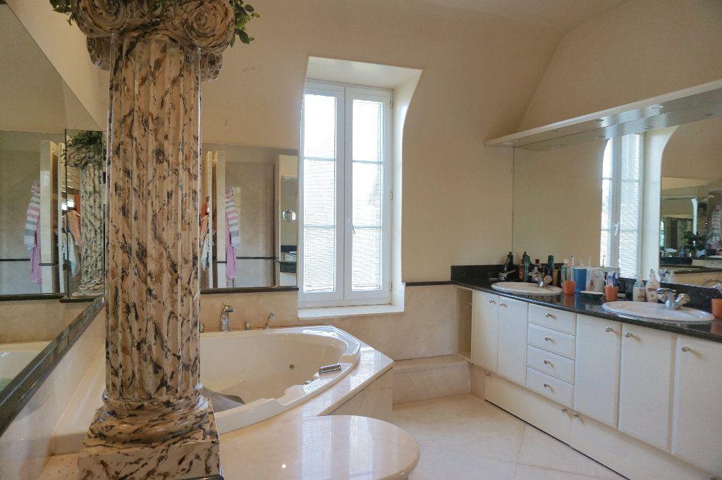 Maison à vendre 8 330m2 à Gournay-en-Bray vignette-9