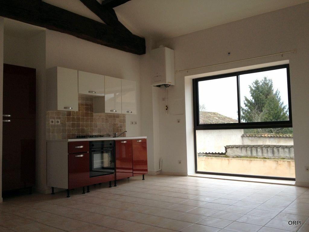 Appartement à louer 3 70.94m2 à Saint-Georges-de-Reneins vignette-3