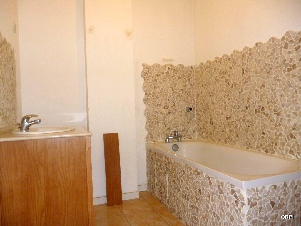 Appartement à louer 3 70.94m2 à Saint-Georges-de-Reneins vignette-4