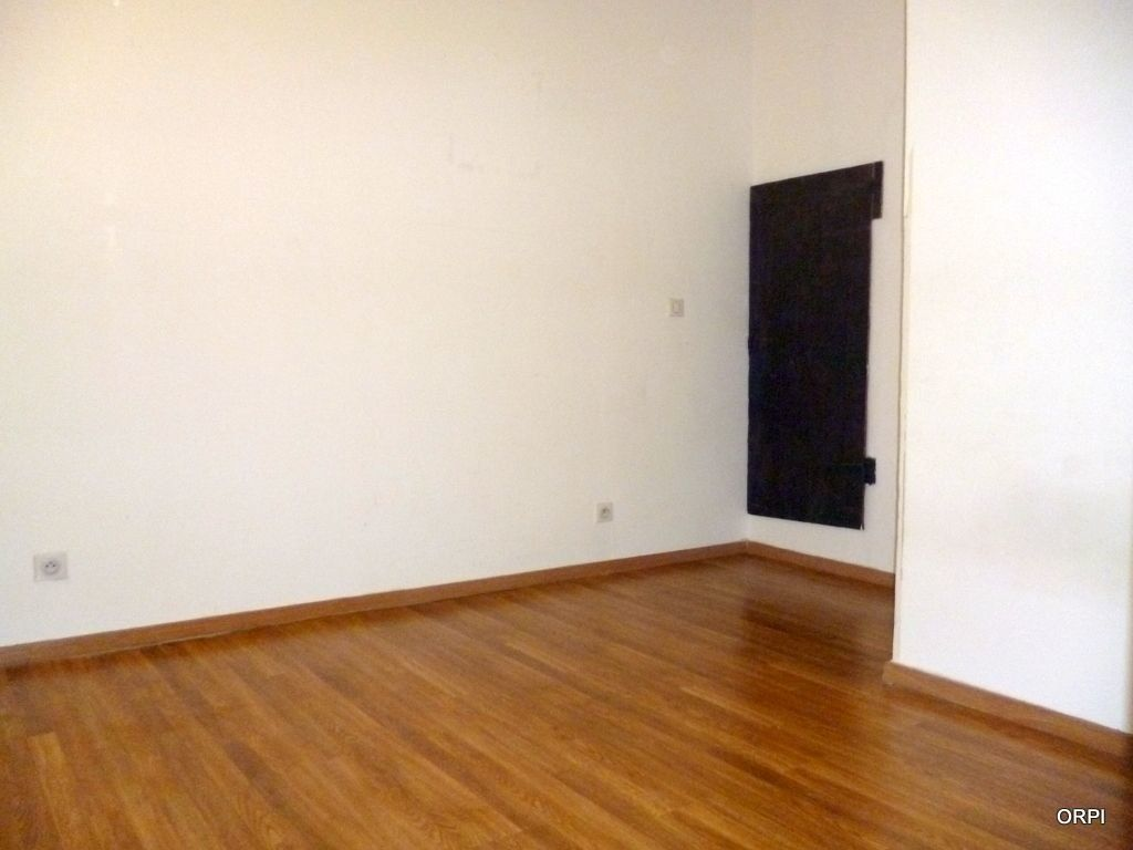 Appartement à louer 3 70.94m2 à Saint-Georges-de-Reneins vignette-5