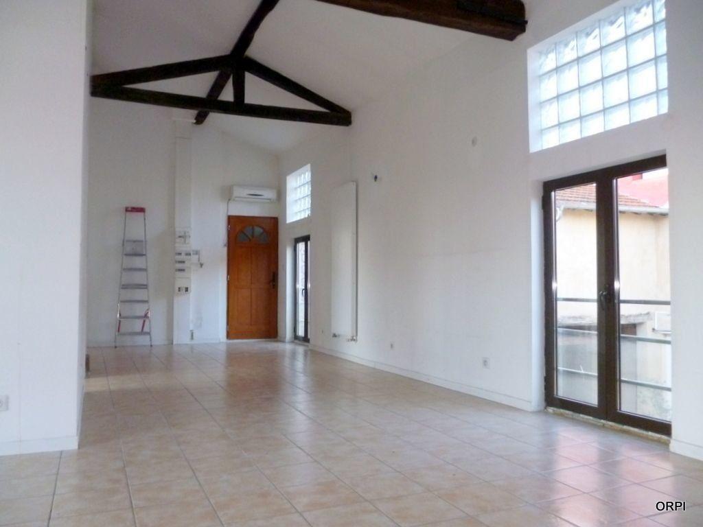 Appartement à louer 3 70.94m2 à Saint-Georges-de-Reneins vignette-6
