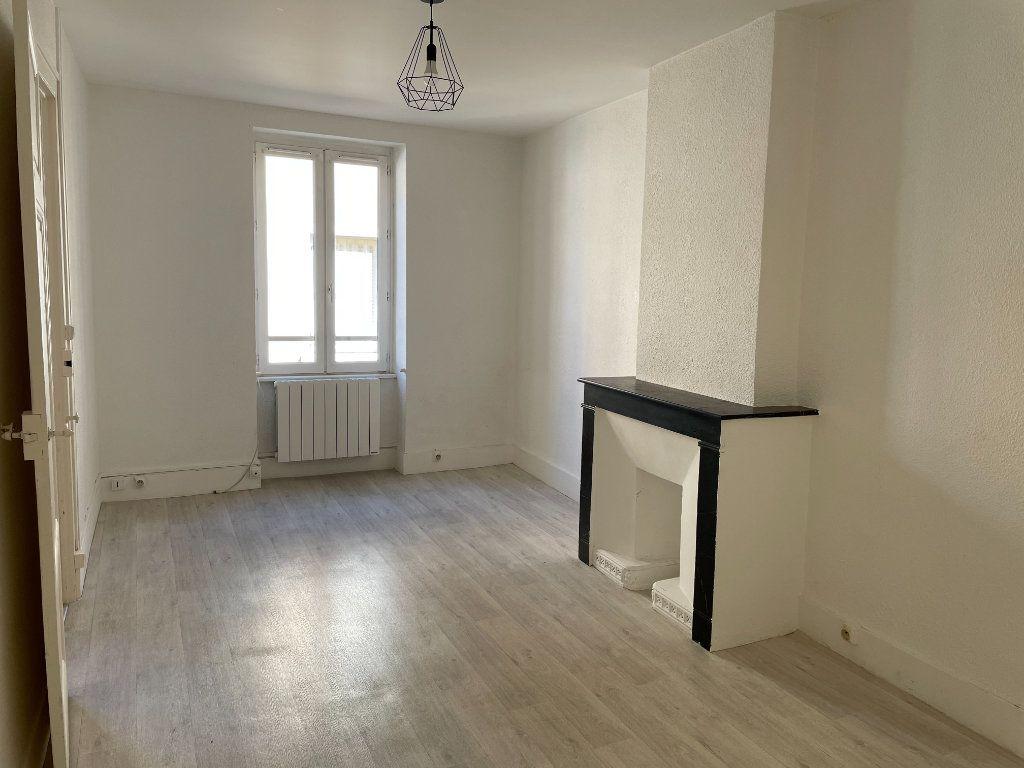 Appartement à louer 3 50m2 à Belleville vignette-8