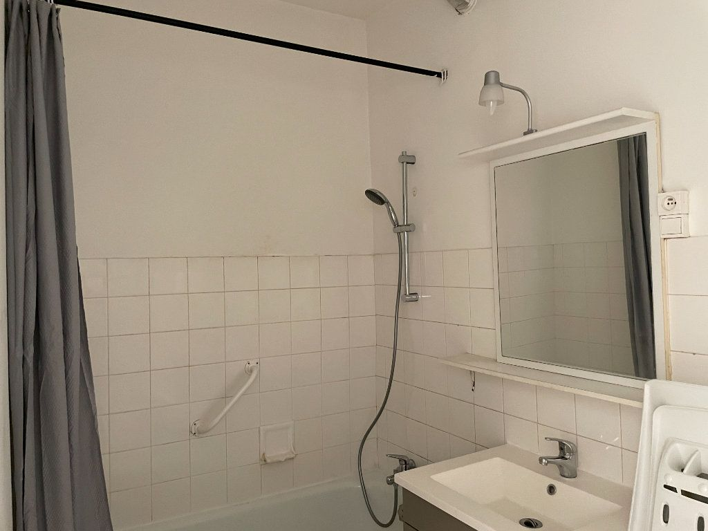 Appartement à louer 3 50m2 à Belleville vignette-9
