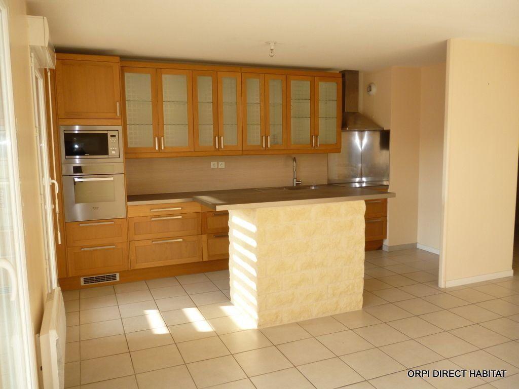 Appartement à louer 3 65.4m2 à Jassans-Riottier vignette-3