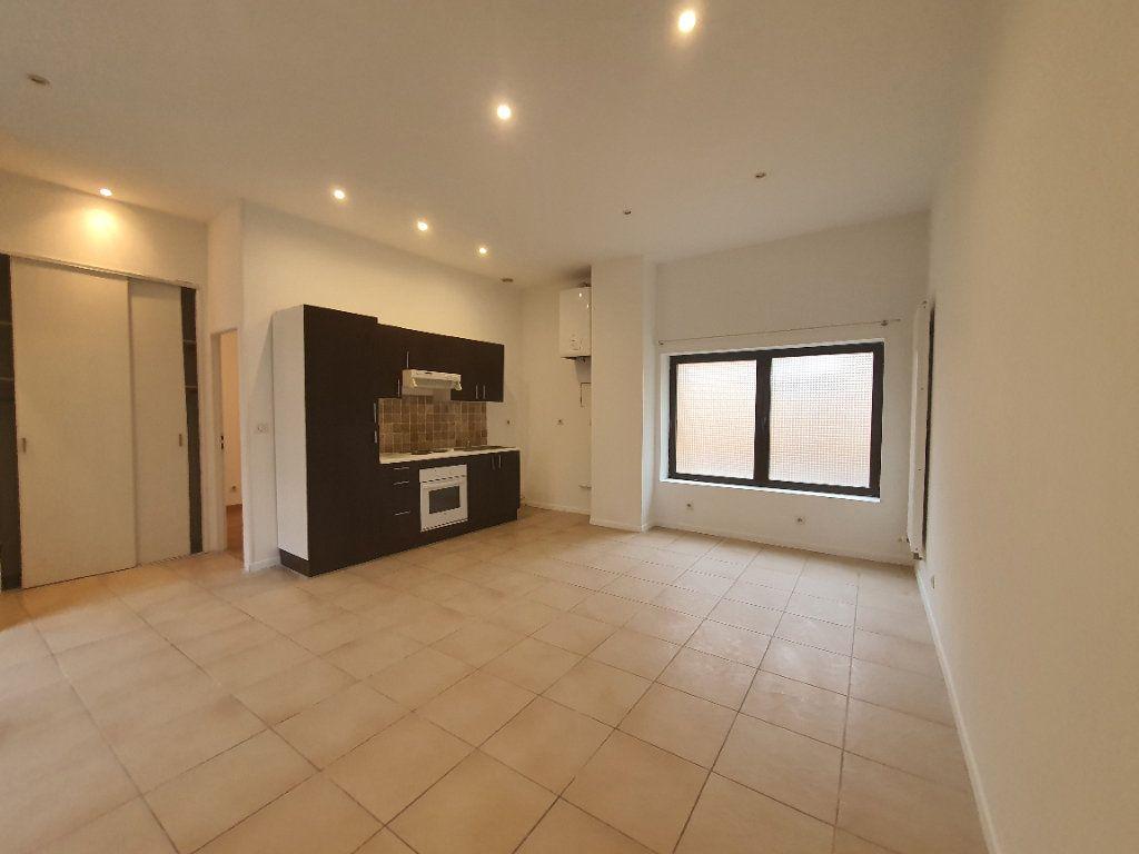 Appartement à louer 2 42.83m2 à Saint-Georges-de-Reneins vignette-2
