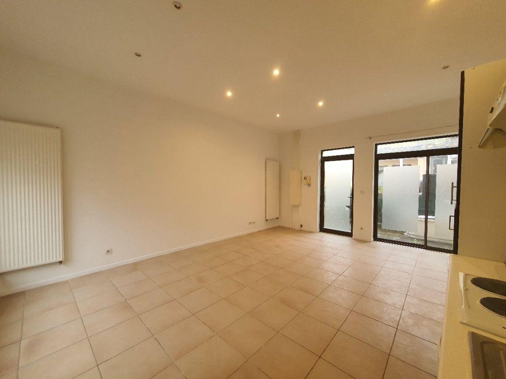 Appartement à louer 2 42.83m2 à Saint-Georges-de-Reneins vignette-3
