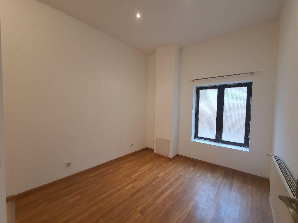 Appartement à louer 2 42.83m2 à Saint-Georges-de-Reneins vignette-4