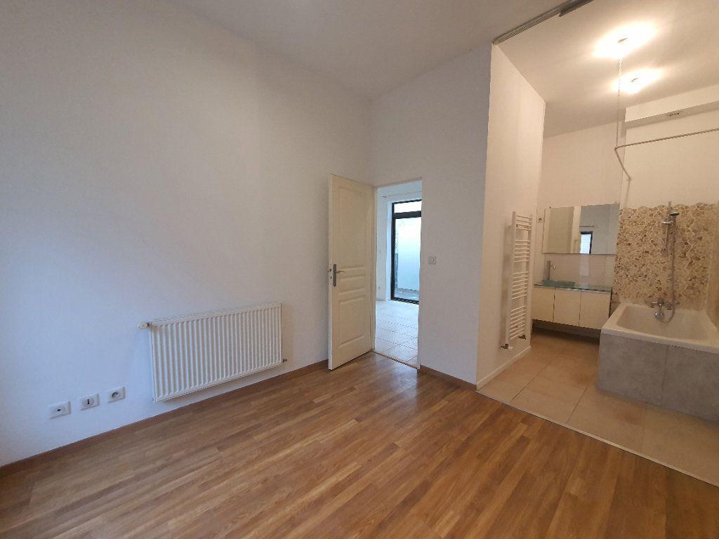 Appartement à louer 2 42.83m2 à Saint-Georges-de-Reneins vignette-5