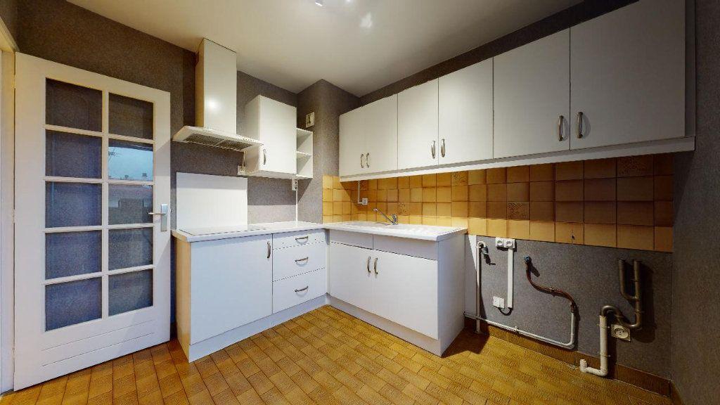Appartement à louer 2 47.29m2 à Villefranche-sur-Saône vignette-7