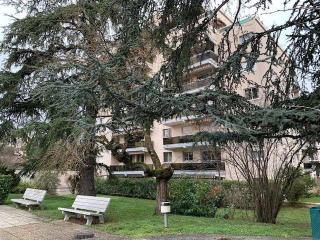 Appartement à louer 2 47.29m2 à Villefranche-sur-Saône vignette-12