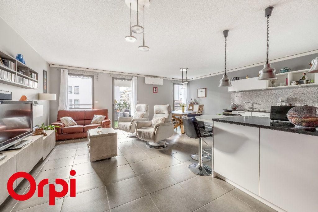 Appartement à vendre 4 106.46m2 à Villefranche-sur-Saône vignette-1