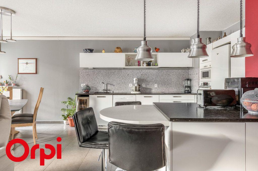 Appartement à vendre 4 106.46m2 à Villefranche-sur-Saône vignette-2