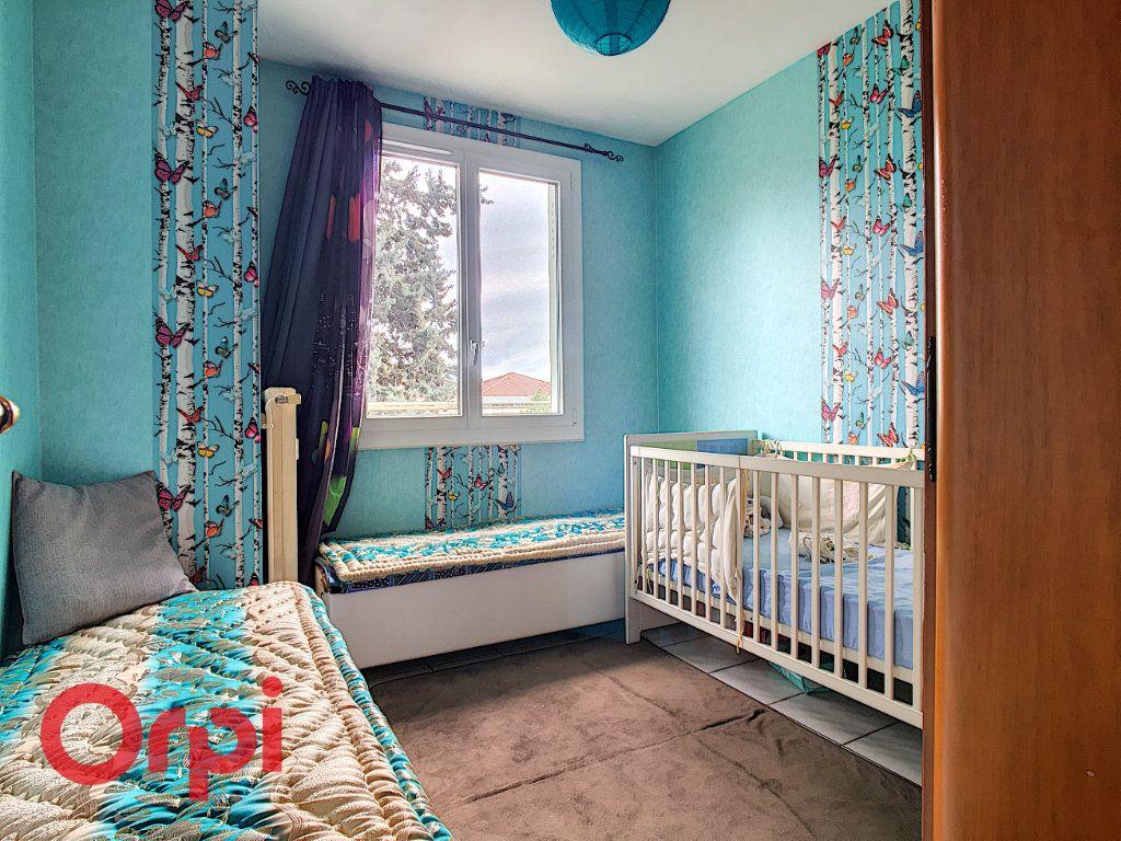 Appartement à vendre 4 63.54m2 à Villefranche-sur-Saône vignette-4