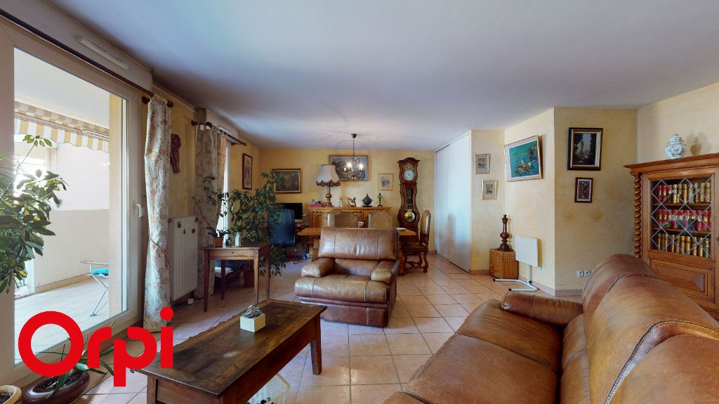 Appartement à vendre 3 85.58m2 à Villefranche-sur-Saône vignette-3