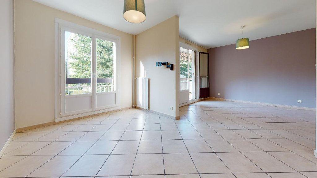 Appartement à louer 3 73.6m2 à Limas vignette-2