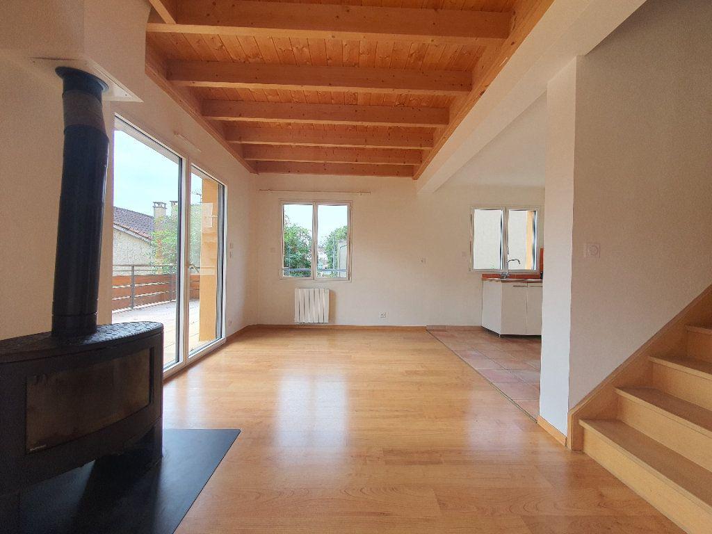 Appartement à louer 5 98.33m2 à Albigny-sur-Saône vignette-6