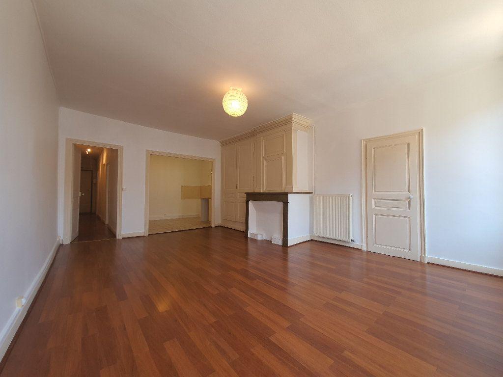 Appartement à louer 2 65m2 à Villefranche-sur-Saône vignette-5