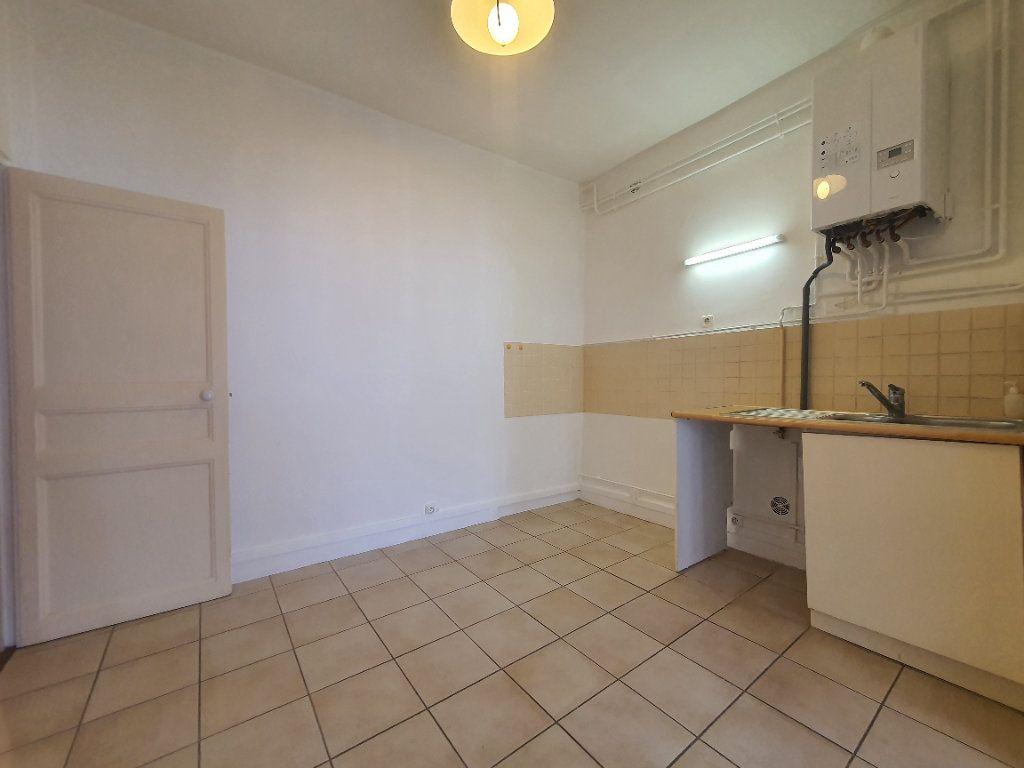 Appartement à louer 2 65m2 à Villefranche-sur-Saône vignette-7