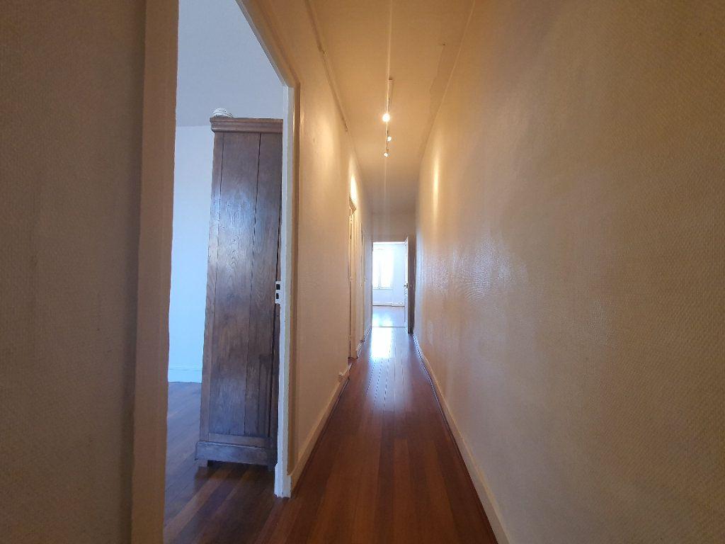 Appartement à louer 2 65m2 à Villefranche-sur-Saône vignette-9