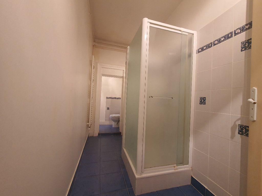 Appartement à louer 2 65m2 à Villefranche-sur-Saône vignette-14