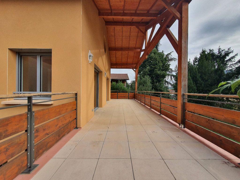 Appartement à louer 5 98.33m2 à Albigny-sur-Saône vignette-1