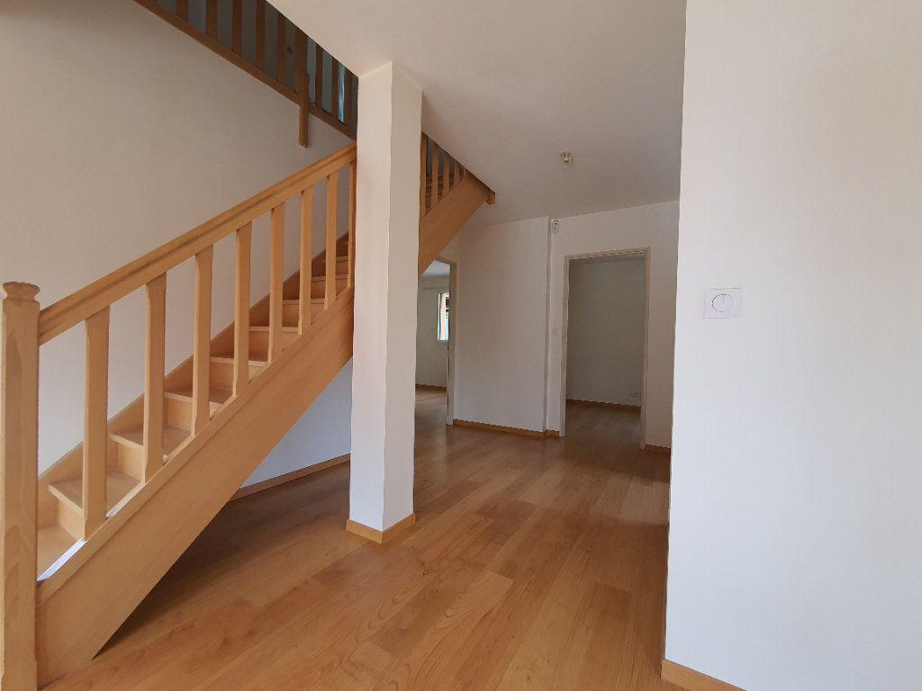 Appartement à louer 5 98.33m2 à Albigny-sur-Saône vignette-9