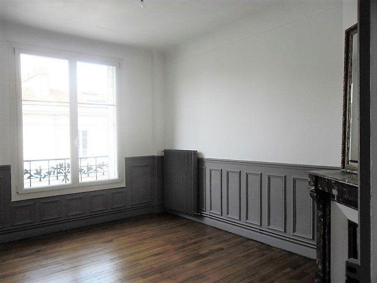 Appartement à louer 3 59.47m2 à Reims vignette-3