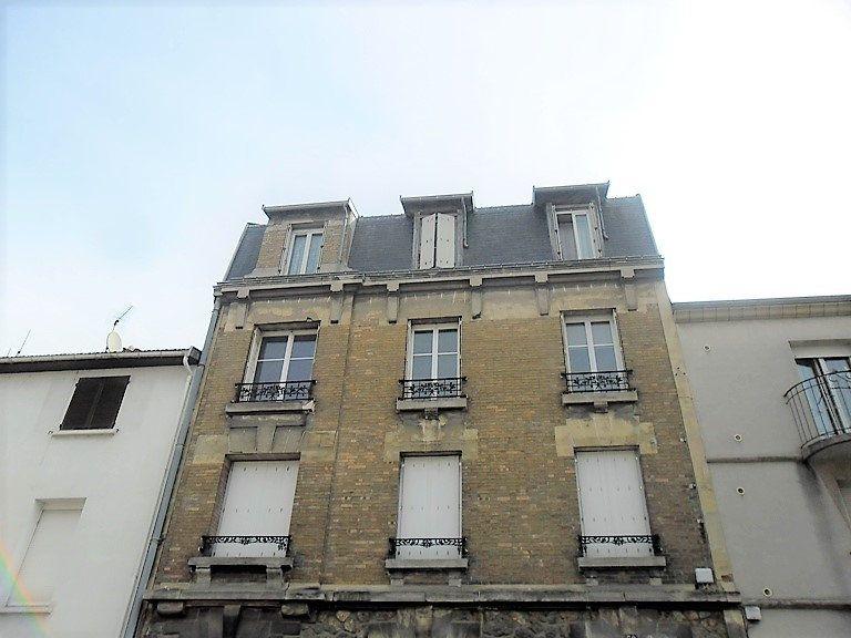 Appartement à louer 3 59.47m2 à Reims vignette-9