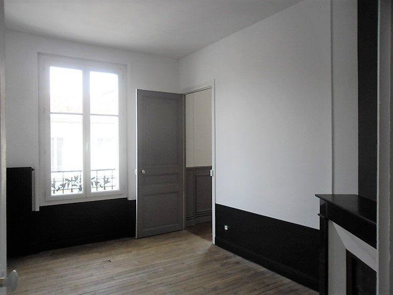 Appartement à louer 3 59.47m2 à Reims vignette-11