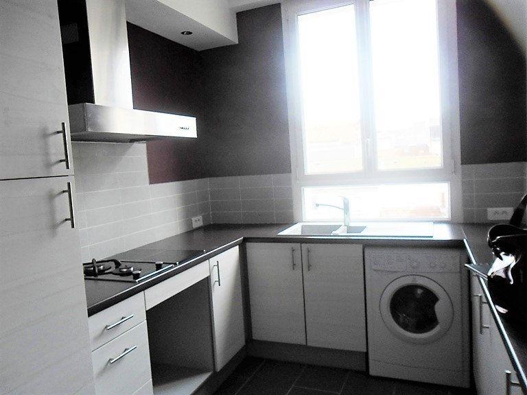 Appartement à louer 3 59.47m2 à Reims vignette-12