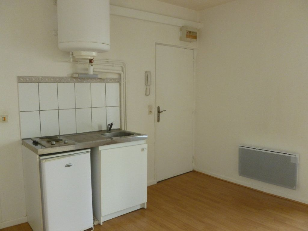 Appartement à louer 1 20m2 à Reims vignette-2