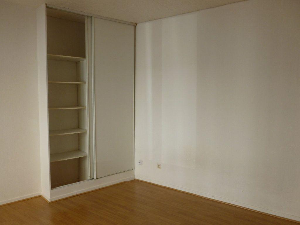 Appartement à louer 1 20m2 à Reims vignette-4