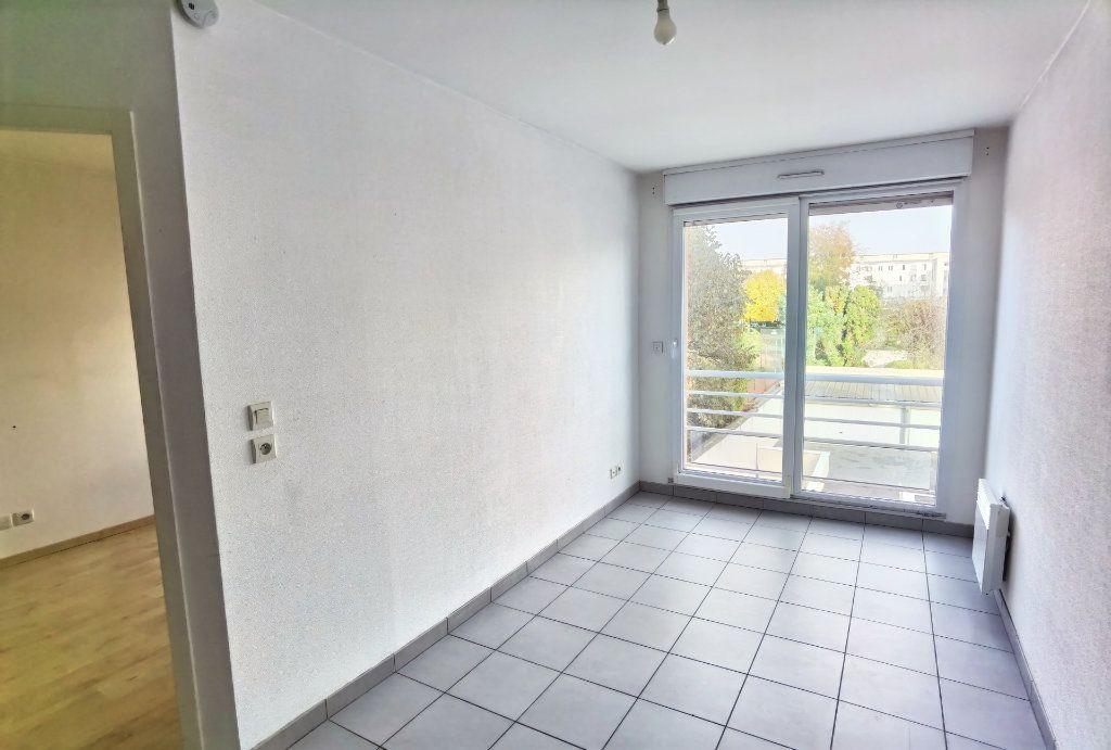 Appartement à louer 2 45m2 à Reims vignette-2