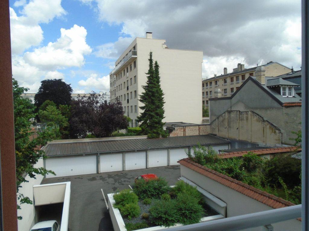 Appartement à louer 2 45m2 à Reims vignette-9