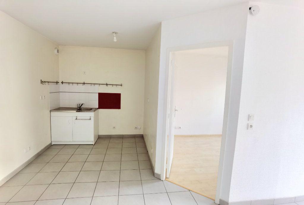 Appartement à louer 2 45m2 à Reims vignette-10