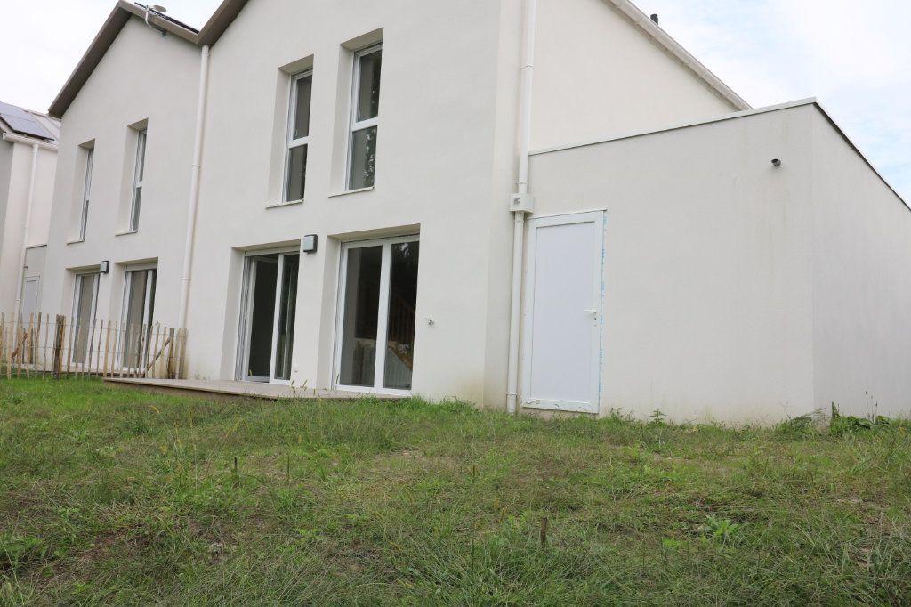 Maison à louer 4 95.8m2 à Saint-Vincent-de-Tyrosse vignette-10