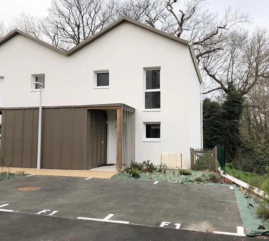 Maison à louer 4 95.8m2 à Saint-Vincent-de-Tyrosse vignette-1