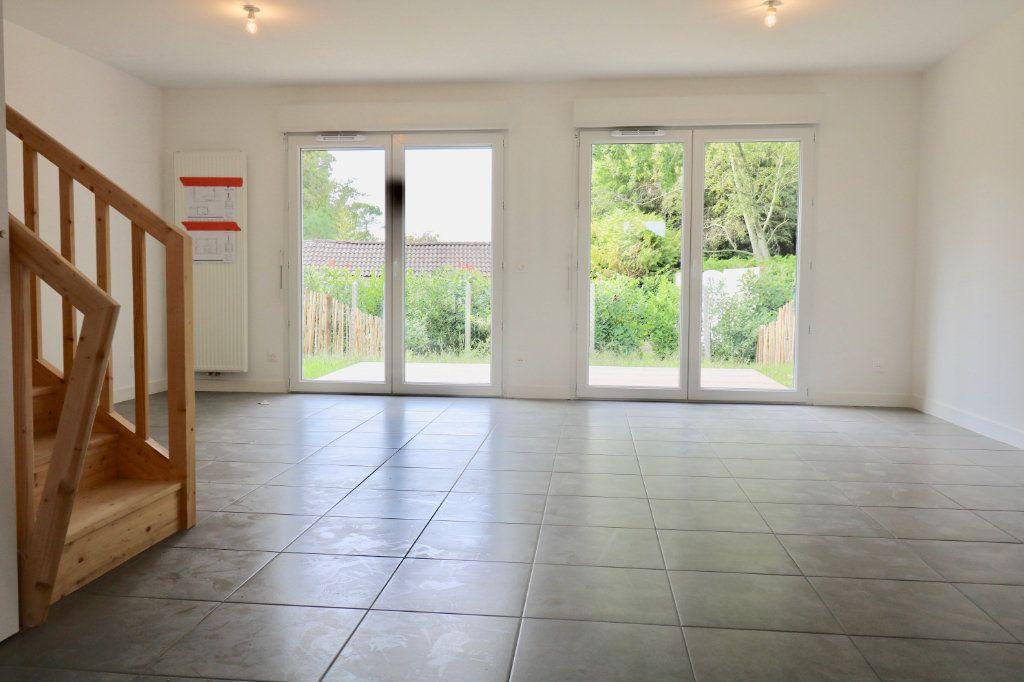 Maison à louer 4 95.8m2 à Saint-Vincent-de-Tyrosse vignette-3
