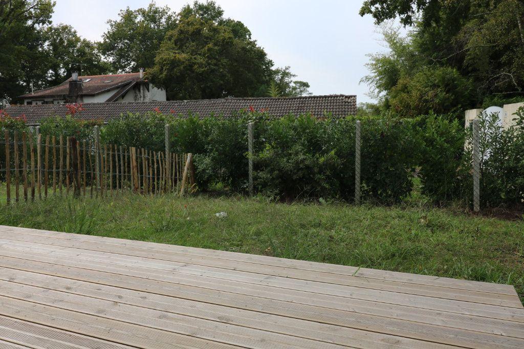 Maison à louer 4 95.8m2 à Saint-Vincent-de-Tyrosse vignette-11