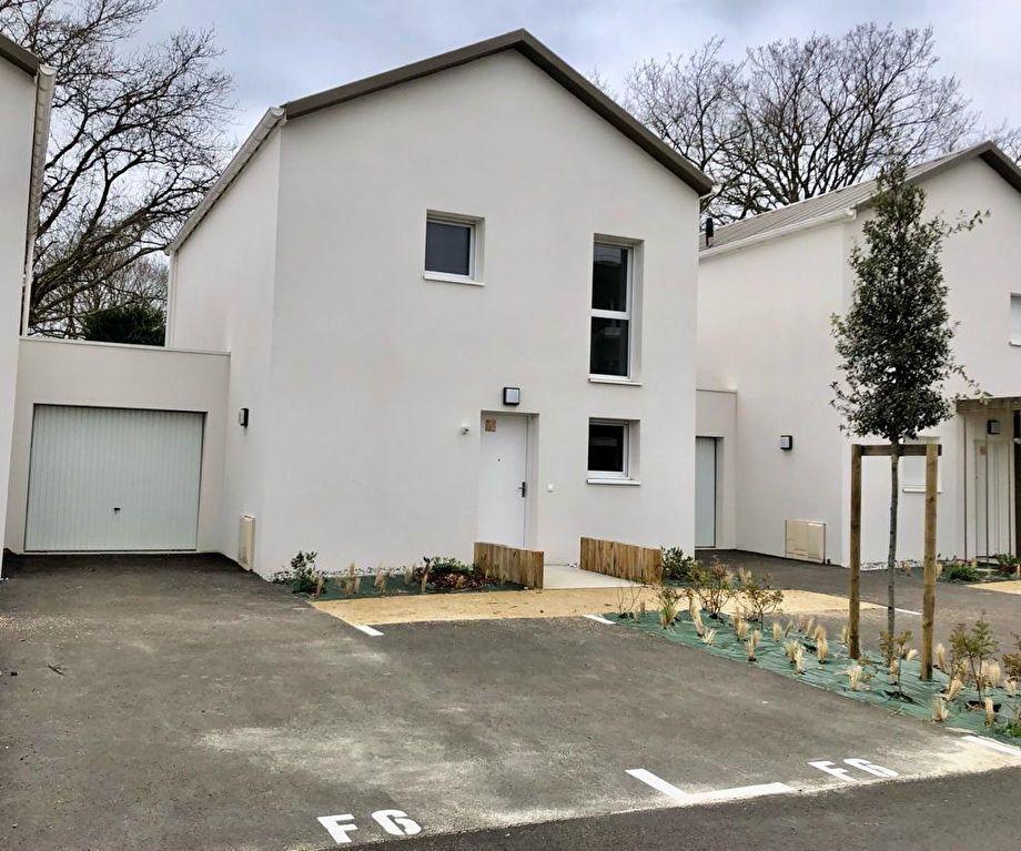 Maison à louer 4 95.6m2 à Saint-Vincent-de-Tyrosse vignette-1