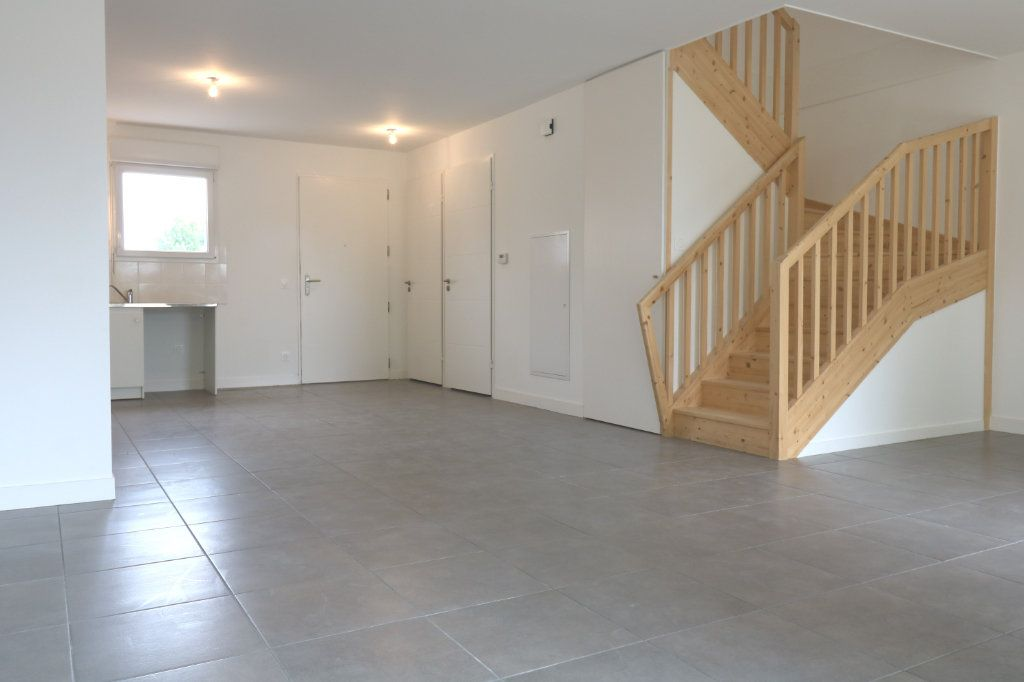 Maison à louer 4 95.6m2 à Saint-Vincent-de-Tyrosse vignette-3