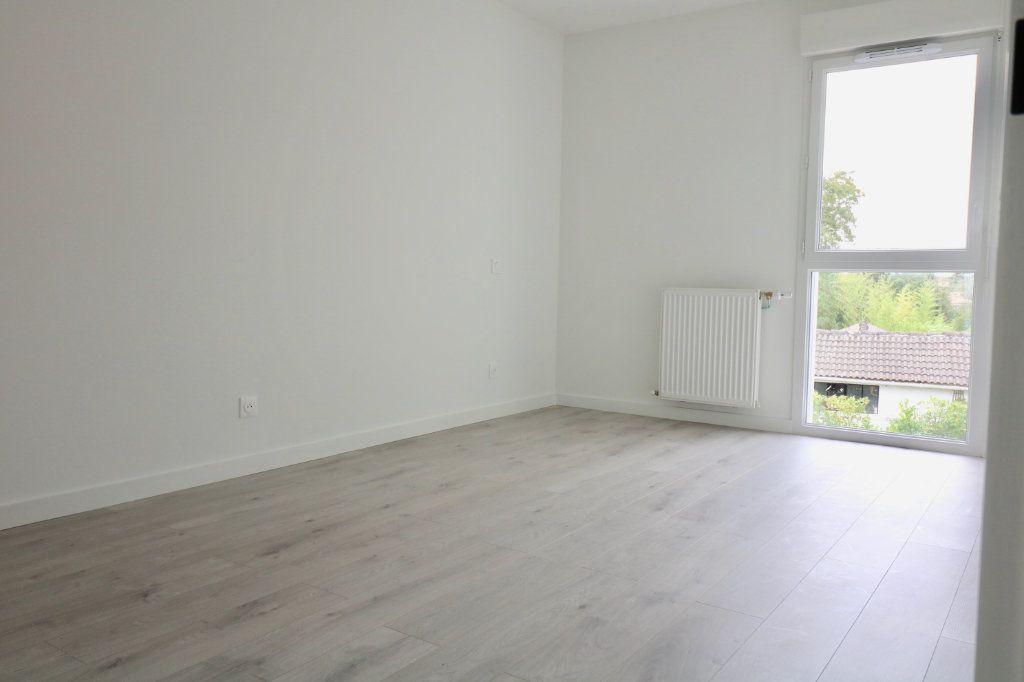 Maison à louer 4 95.6m2 à Saint-Vincent-de-Tyrosse vignette-5