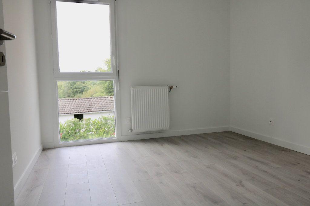 Maison à louer 4 95.6m2 à Saint-Vincent-de-Tyrosse vignette-7
