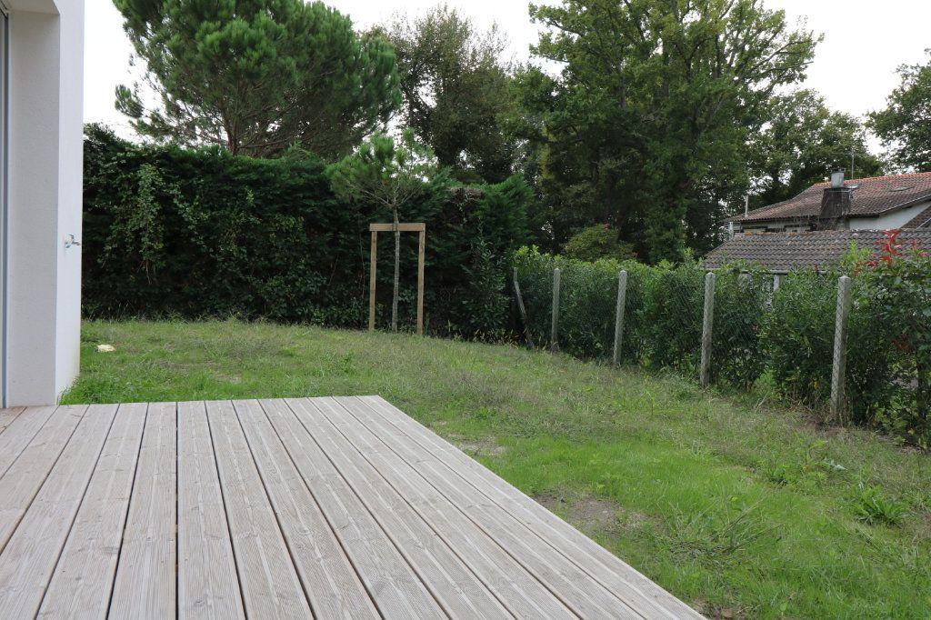 Maison à louer 4 95.6m2 à Saint-Vincent-de-Tyrosse vignette-9