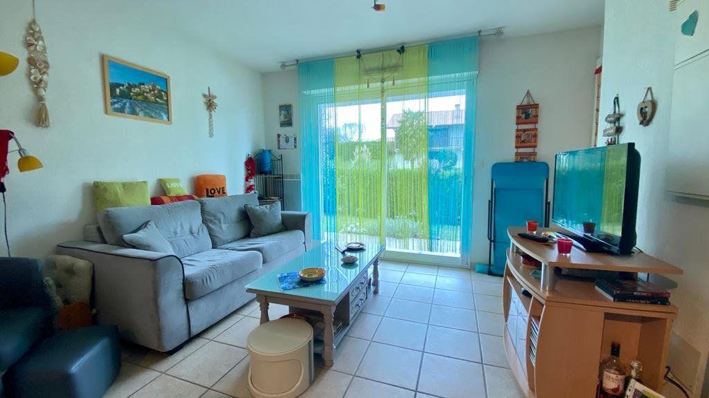 Appartement à vendre 2 37.7m2 à Saint-Vincent-de-Tyrosse vignette-1